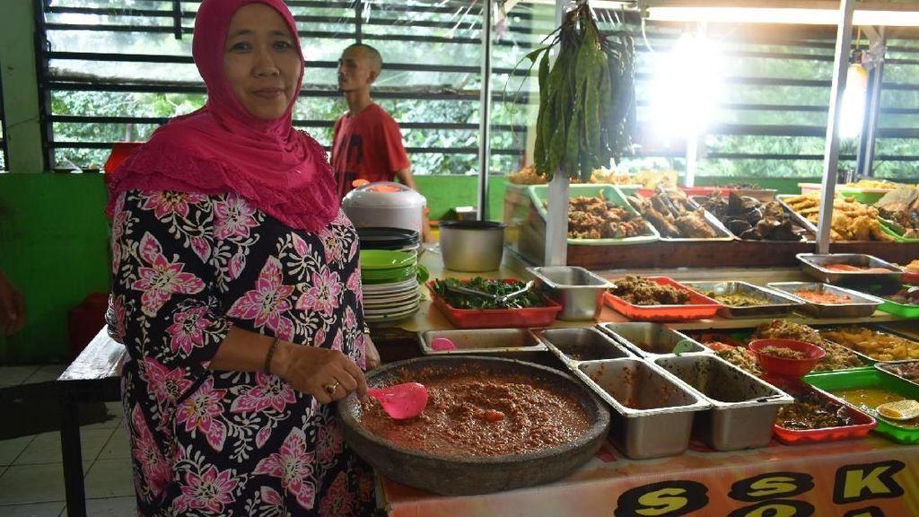 Nikmatnya Nasi Dulang Favorit Menlu Retno Marsudi