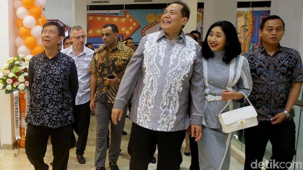 Senyum Cerah Chairul Tanjung Resmikan Trans Studio Mall Cibubur