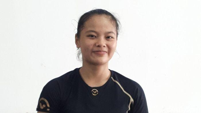 Windy Cantika Aisah menjalani debut di Kejuaraan Asia Angkat Besi 2019.  (Mercy Raya/detikSport)