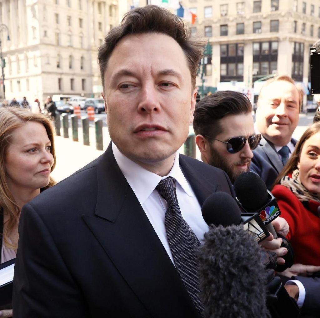 Elon Musk Sindir Bill Gates yang Beli Porsche dan Bukan Tesla