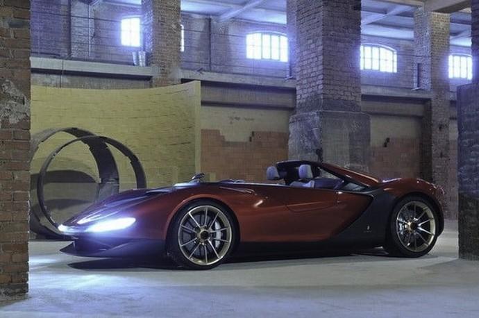 Aneka Mobil Super di Garasi Bos Amazon, Sukanya Honda Accord Jadul