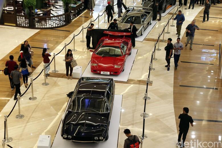 Lamborghini Jakarta Nongkrong di Mall Foto: Rengga Sancaya