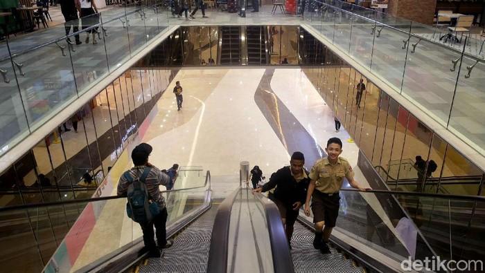 Trans Studio Mall (TSM) Cibubur resmi dibuka oleh Founder & Chairman of CT Corp Chairul Tanjung (CT). Warga pun antusias mengunjungi tempat hiburan terbaru itu.