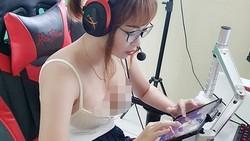 Kimi Hime jadi salah satu sosok sensasional di media sosial kini. Dikenal sebagai gamer handal, Kimi ternyata tak lupa untuk membugarkan tubuhnya. Panutan!