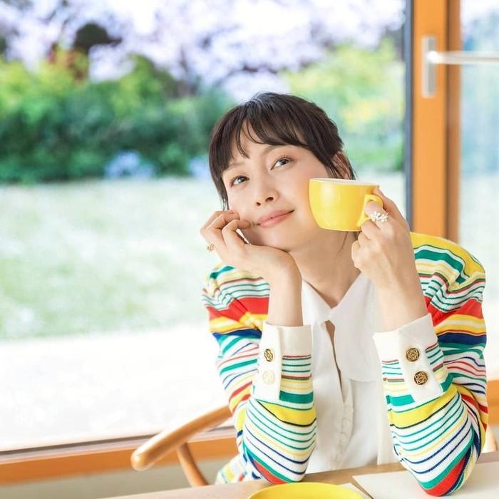 Lee Na-young merupakan aktris senior asal Korea Selatan yang dinikahi oleh aktor Won Bin. Ia memulai karirnya di tahun 1998. Foto: Istimewa
