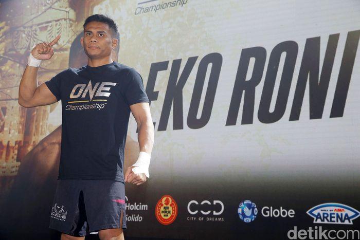 Eko Roni memang masih baru di ajang tarung bebas ONE Championship. Tapi pengalamannya bertarung di atas ring gulat sudah banyak termasuk jadi andalan Indonesia di Asian Games lalu.
