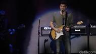 Waduh! Celana Dalam Shawn Mendes Ada di Apartemen John Mayer
