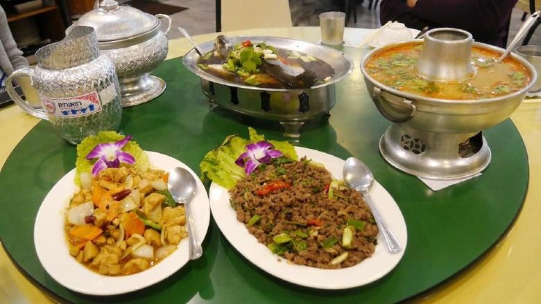 Foto: Bersantap makanan halal di Taipei (Kurnia/detikcom)