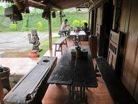 Yuk, Ajak Keluarga Makandan Bersantai di Resto Asri Ini