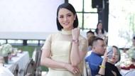 Foto: Pesona Ririn Ekawati di Peluncuran Jam Tangan Premium Aigner