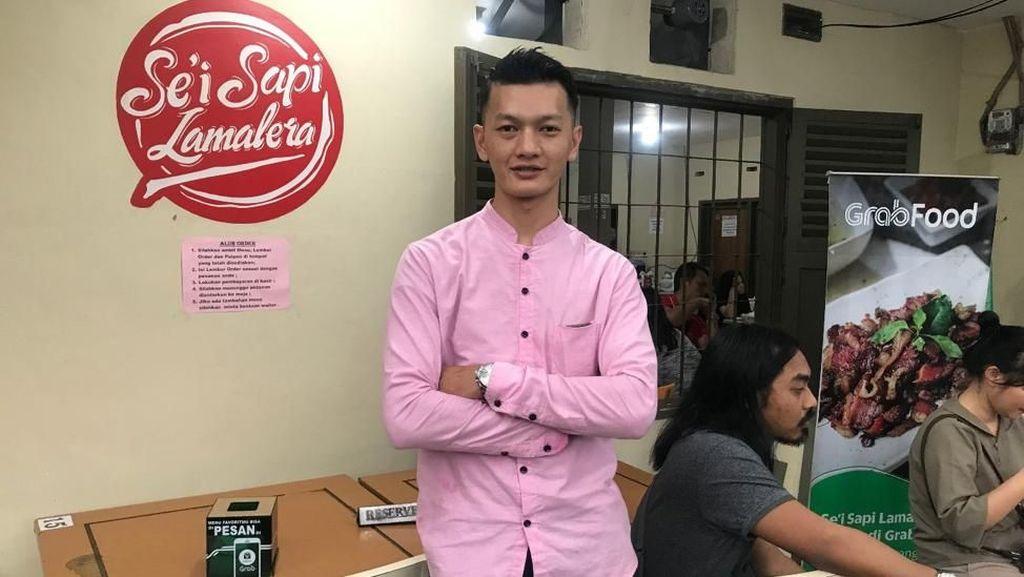 Perjalanan Ary Nicholas Bawa Sei Sapi Kupang Populer di Bandung