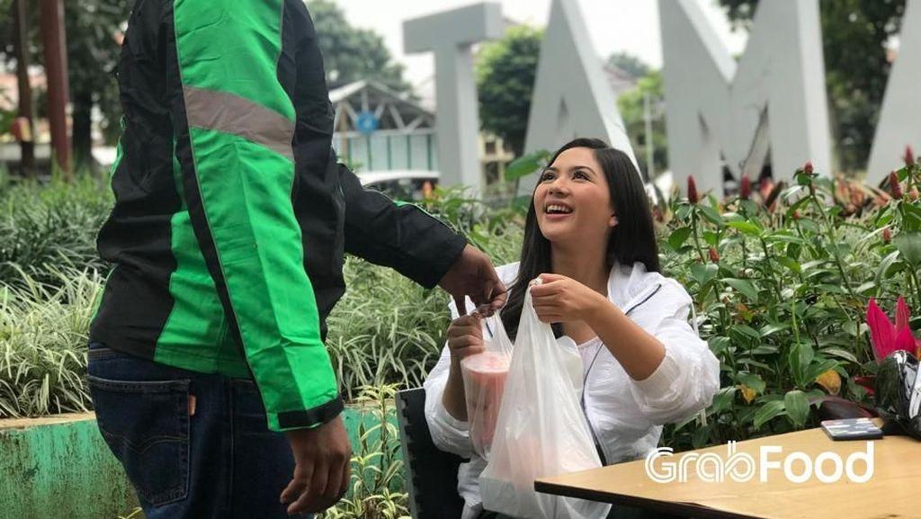 Habiskan Weekend, Jessica Mila Jajal Taman dan Kuliner Bandung