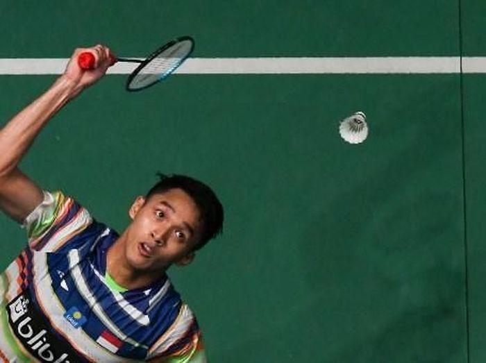 Pemain tunggal putra Indonesia, Jonatan Christie. (Foto: Mohd RASFAN / AFP)