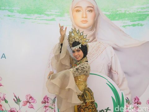 Guru SD Beraksi Tari Jaipong di Audisi Sunsilk Hijab Hunt 2019 Bandung