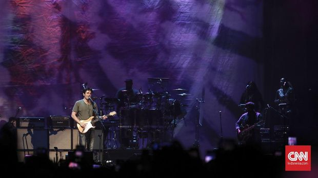 Terbius Bahasa Jari John Mayer di Jakarta
