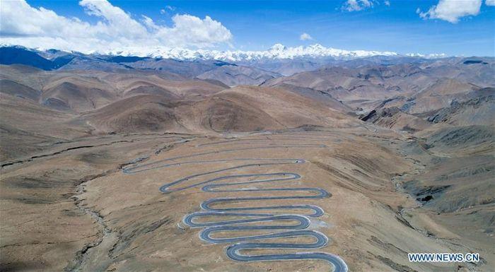 Menurut buku putih 60 tahun Reformasi Demokratik di Tibet yang dikeluarkan pada Maret 2019, pada akhir 2018, Tibet sudah memiliki 97.800 km jalan raya. Istimewa/Xinhuanet.