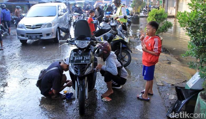 Ilustrasi motor mogok. Foto: Wisma Putra