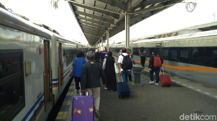 Daop 3 Cirebon tambah 3.820 kursi kereta saat arus mudik lebaran