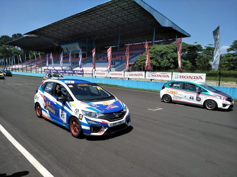 Honda Jazz dan Brio Speed Challenge. Foto: Ruly Kurniawan