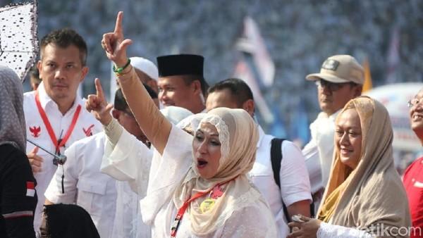 Para Artis yang Putihkan GBK dan Dukung Prabowo-Sandiaga Uno