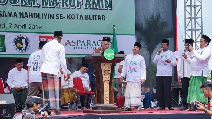 Ketua PWNU Jatim KH Marzuki Mustamar orasi di Blitar/Foto: Erliana Riady