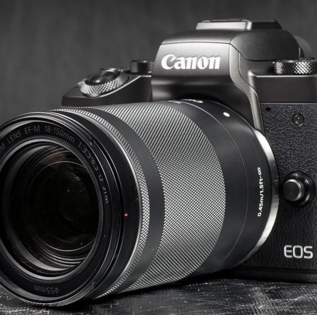 Lensa Sapu Jagat Canon EF-M 18-150mm