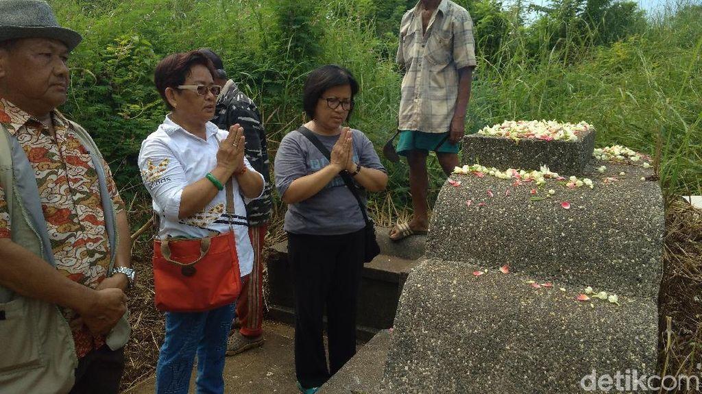 Foto: Ritual Memanggil Arwah Leluhur Etnis Tionghoa di Cirebon