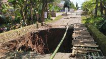 Tak Juga Diperbaiki, Jembatan Zaman Belanda di Ciamis Ambruk