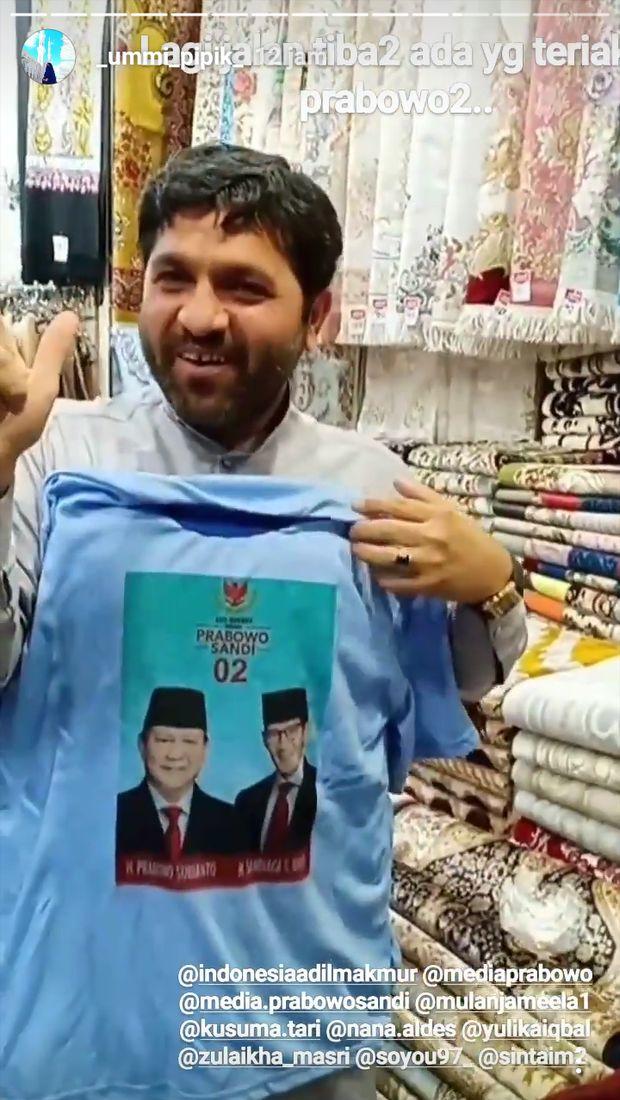 Pedagang di Mekkah Punya Kaos Gambar Prabowo, Ummi Pipik: Masyaallah