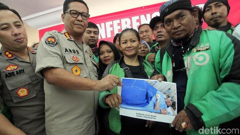 Salam Satu Aspal! Komunitas Support Laddy Ojol Korban Jambret di Rasuna Said