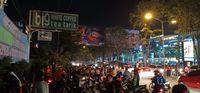 Suasana di depan lokasi kafe yang rubuh di Medan