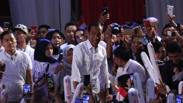 Capres Jokowi saat kampanye di Kalteng.