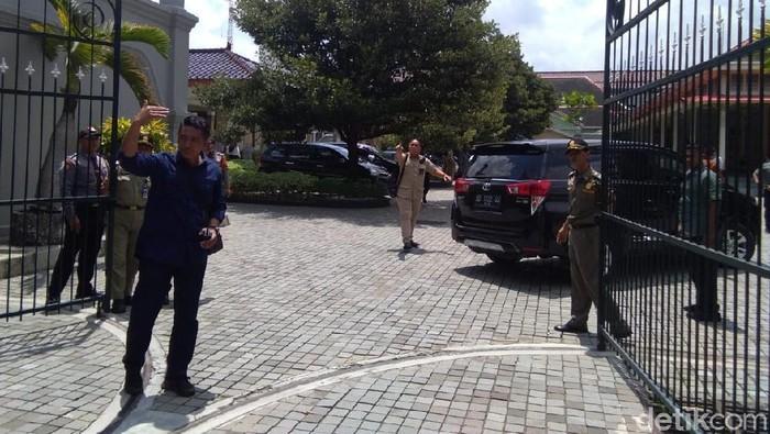 Prabowo Subianto temui Sri Sultan HB X di Kepatihan Yogyakarta, Senin (8/4/2019).