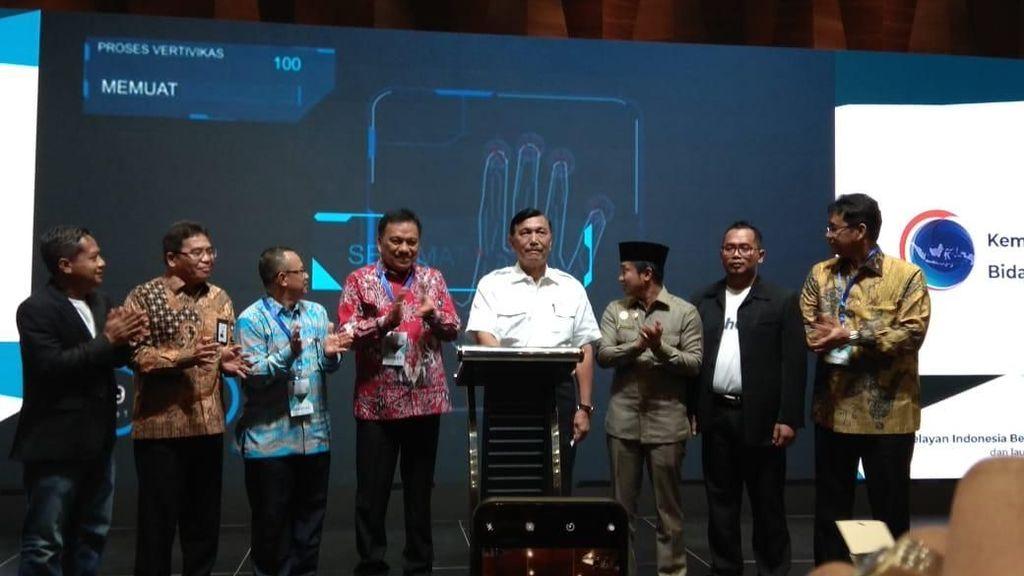 Luhut Luncurkan Produk Digital Bantu Nelayan Cari Ikan