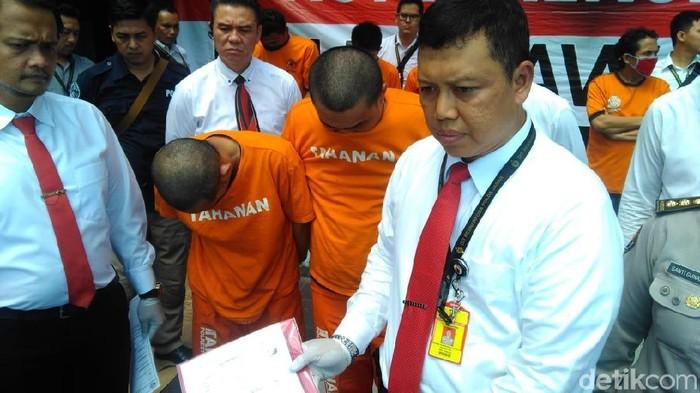 Seorang caleg di Kota Bandung ditangkap dalam kasus narkoba. (Foto: Dony Indra Ramadhan/detikcom)