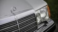 Mr Bean Jual Mobil Klasiknya Lagi, Mercedes 500E