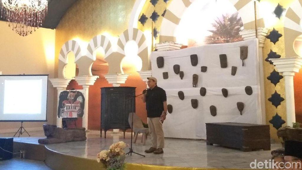 Fadli Zon Luncurkan Antologi Puisi Ada Genderuwo di Istana