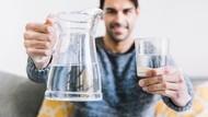 Minum Air Putih Bantu Turunkan Berat Badan, Ini 5 Sebabnya
