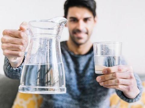 Tren Minum Air Putih