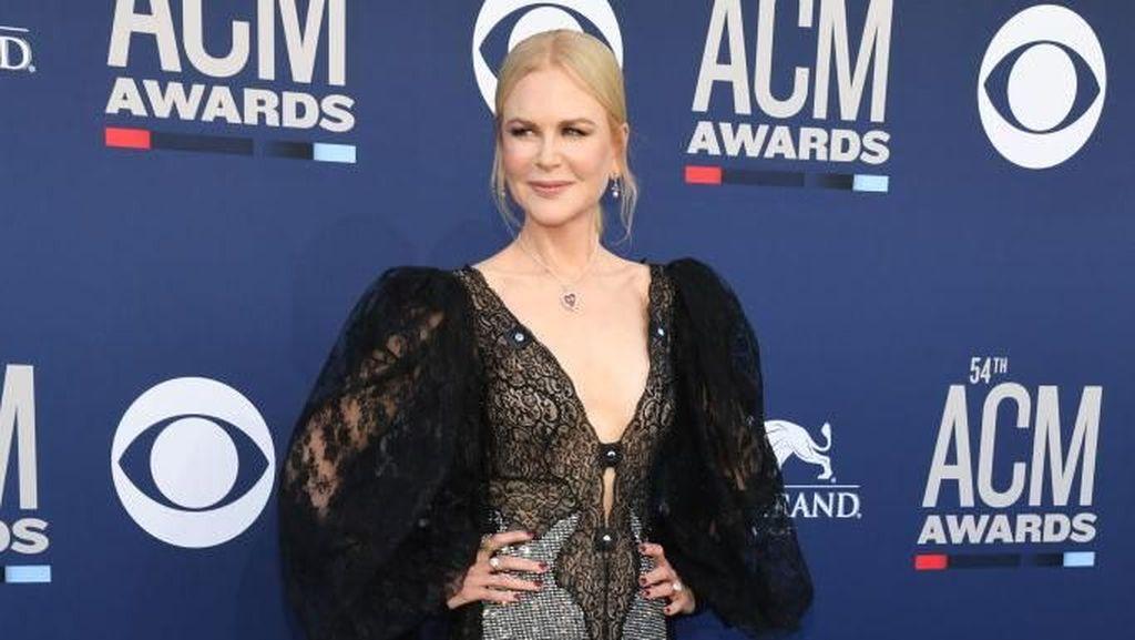 Maksimal Rawat Kulit, Nicole Kidman Pakai Sunblock SPF 100