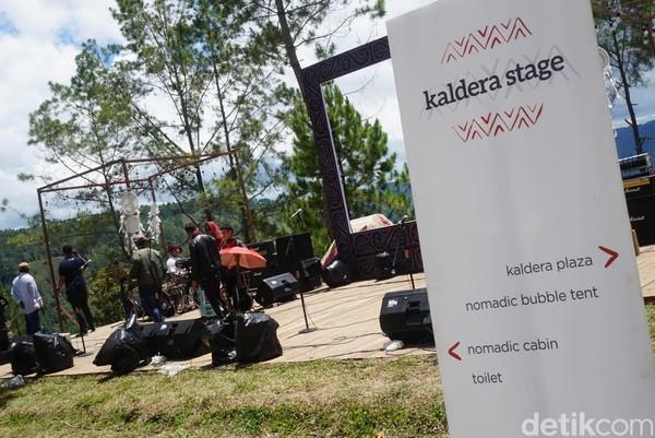 Bahkan, ada juga mini stage untuk menikmati live music atau pertunjukan seni lainnya (Shinta/detikcom)