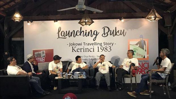 Jumpa pers launching buku tentang Jokowi mendaki Gunung Kerinci.