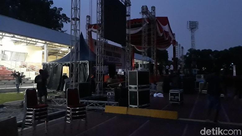 Demi Prabowo, Panggung Kampanye Jokowi di Solo Langsung Dibongkar