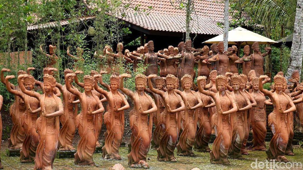 Taman Cantik di Banyuwangi Isinya Ratusan Patung Penari Gandrung
