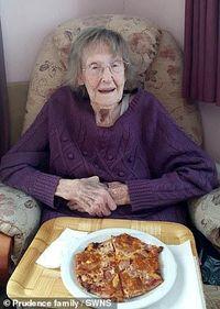 Trauma dengan Italia, Nenek 94 Tahun Ini Cicip Pizza untuk Pertama Kalinya
