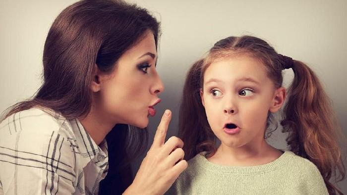 Anak butuh penjelasan ketika terpapar umpatan atau kata-kata kasar (Foto: iStock)