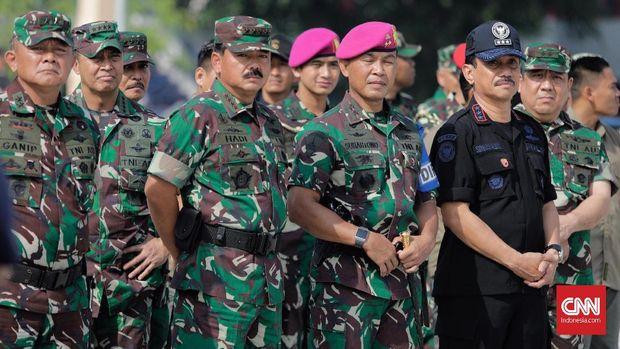 Simulasi: Pasukan Elite TNI Bebaskan Sandera dalam 15 Menit