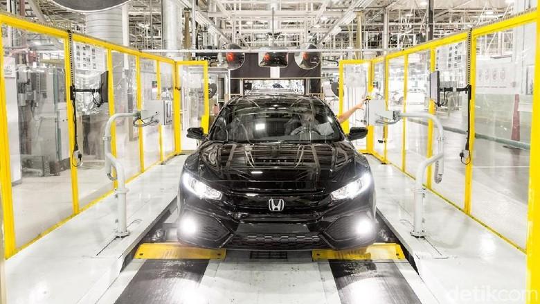 Pabrik Honda di Inggris memproduksi Civic. Foto: Honda