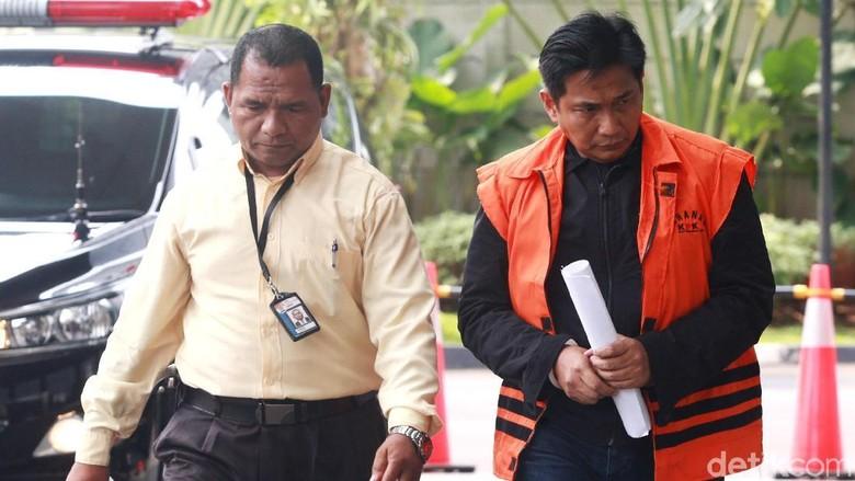 Sebut Menteri-Direktur BUMN, Pengacara Pastikan Bowo Sidik Kooperatif ke KPK