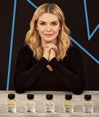 10 Tahun Tak Pakai Parfum, Michelle Pfeiffer Rilis Produk Wewangian
